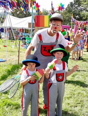 Zaz & his kids in the Glastonbury kidzfield